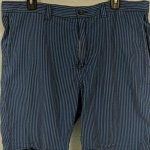 Cremieux seersucker blue stripe shorts 38